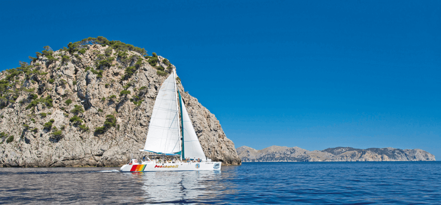 paseo barco alcudia