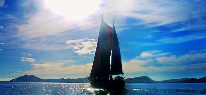 puesta de sol en velero en Mallorca
