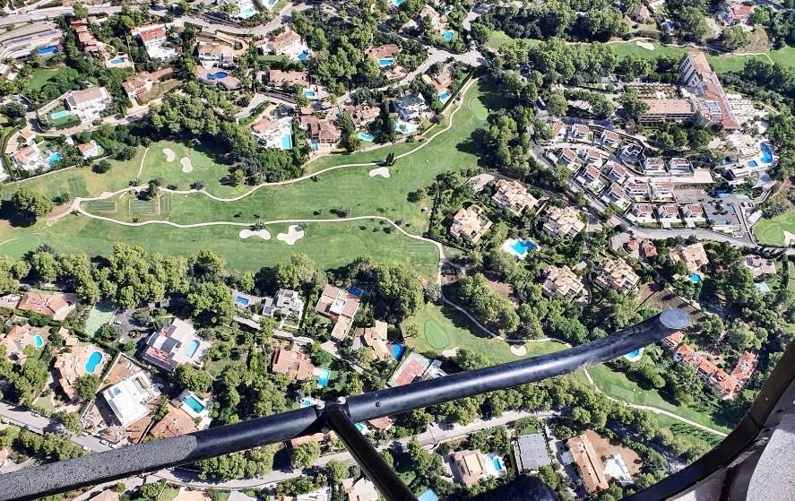 Vista de Son Vida desde el helicóptero