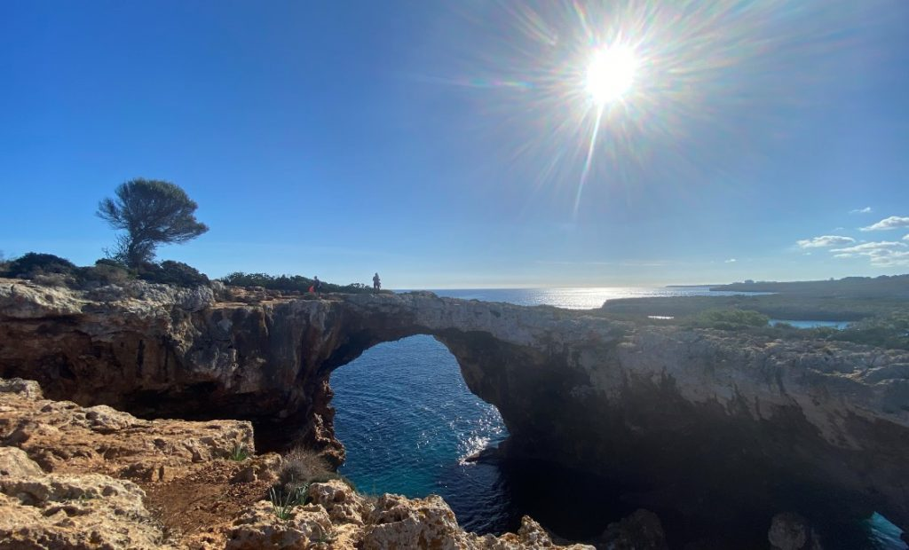 puente natural cala varques